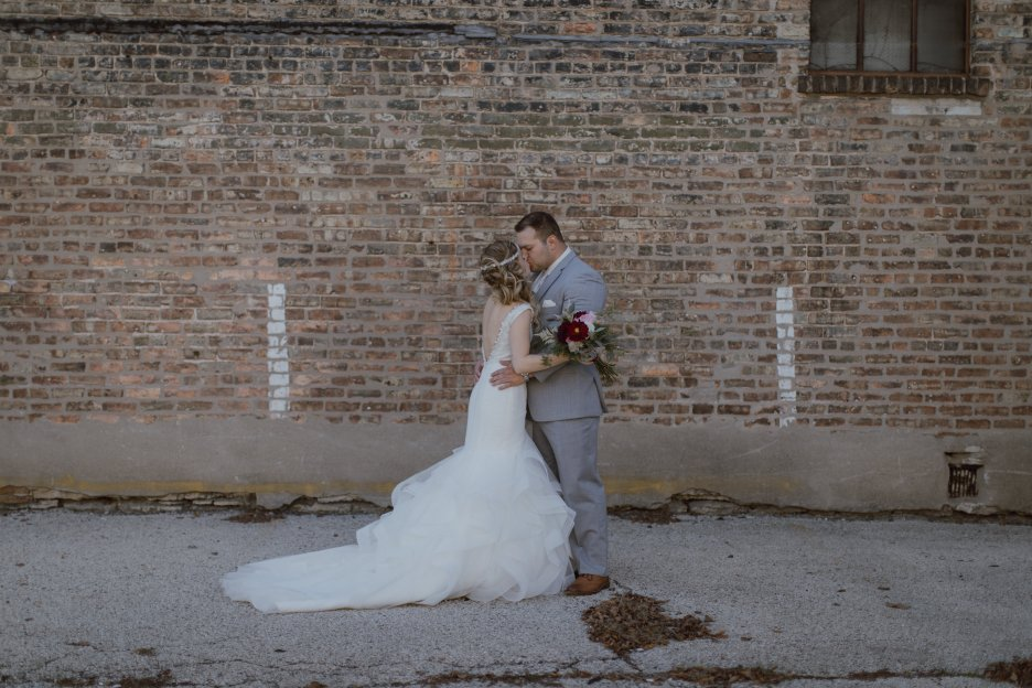 Chicago-Wedding-Photographer-Megan-Saul-Photography-The-Haight-Photos-First-Look-18