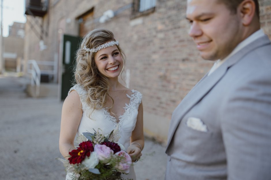 Chicago-Wedding-Photographer-Megan-Saul-Photography-The-Haight-Photos-First-Look-35