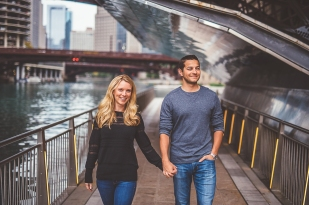13-chicago-riverwalk-engagements