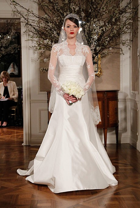 2011_bridescom-Editorial_Images-05-kate-middletons-wedding-day-look-large-kate-middletons-wedding-dress-royal-wedding-look-005.jpg