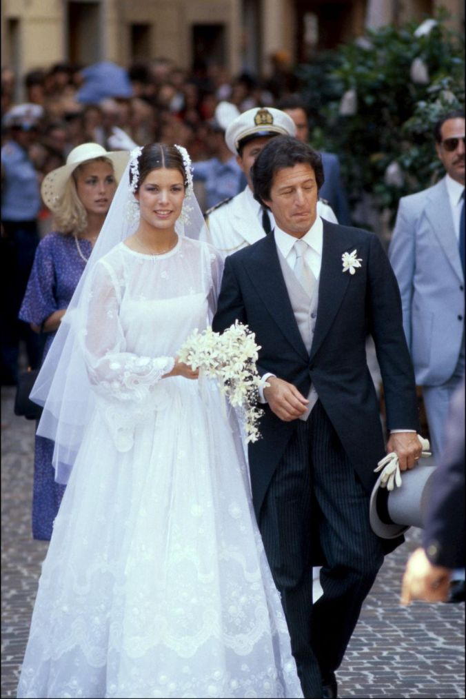 princess-caroline-of-monaco-and-phillipe-junot-wedding-dress-1516605743