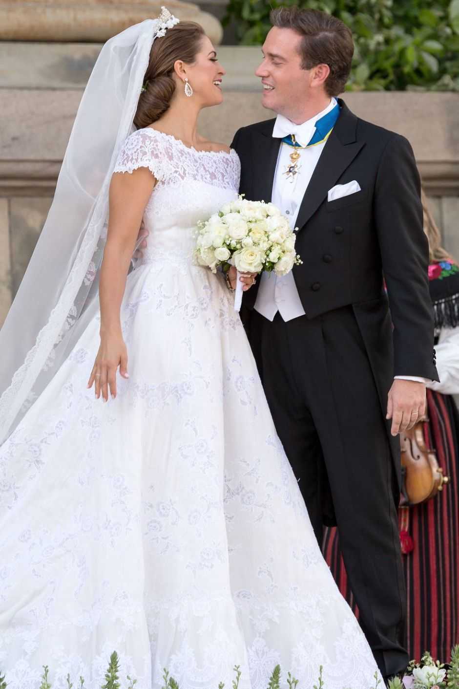 princess-madeleine-and-christopher-o-neill-of-sweden-wedding-dress-1516608320