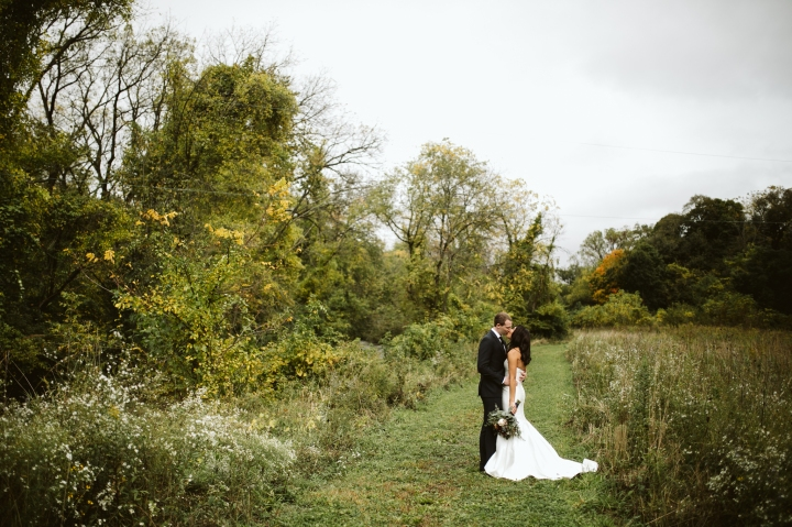 LaurenBrian_Wedding_SneakPeek_0039.jpg